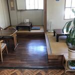 プリンス - テーブル席・座敷席 (コロナの影響で席数減らしています)