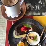 130763156 - デザート3種盛り合わせ☆ コーヒーシナモンケーキ、甘酒のミルクプリン、ラズベリータルト