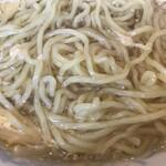 新新園 - 麺アップ