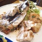 蕾 - 料理写真:香味揚げ(イワシ、タラ)フワッサクッ