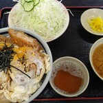 三州屋 - ジャンボカツ丼!