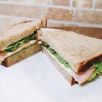 あゆんぐ - カンパーニュでサンドイッチを作ってみました♪