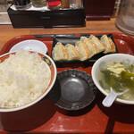 中華食堂 一番館 - 餃子定食