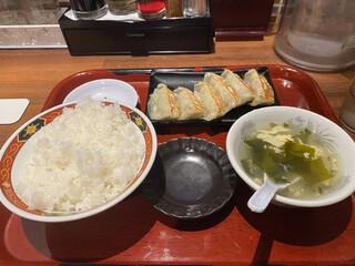 中華食堂 一番館 中野サンモール店 - 餃子定食