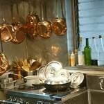 土桜 - ピカピカの銅製のフライパンやお鍋