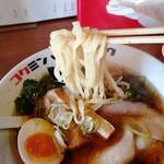 コクミンショクドウ - モチモチ平打麺