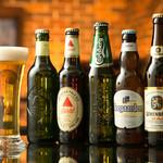 DINING BAR WOODBELL - 瓶ビールは常時20種類以上ご用意しております。