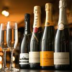 DINING BAR WOODBELL - シャンパン、スパークリングワインも各種取り揃えております。