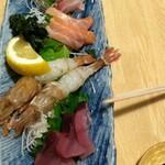 tempurakaisenjizakeiyasaka - お刺身5種  ¥1280