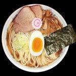 上野 大勝軒 - 魚介とんこつのスープに醤油ダレを合わせた昔ながらの中華そばです。