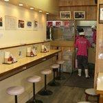 上野 大勝軒 - 昭和の香りただようレトロな雰囲気が伝統ある大勝軒を一層感じさせます。