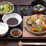柿千 - 料理写真:国産牛のハンバーグ。おすすめです。