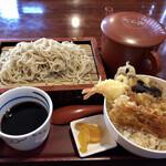 丸はし - 料理写真:せいろ+ミニ天丼 920円