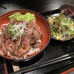 肉や すず - 炙り上ハラミ丼
