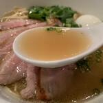 支那そば まるこう - 貝柱&鴨が効いた絶品スープ