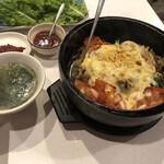 焼肉 李季 - トマトチーズ石焼ピビンパ