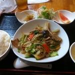 健康中華 青蓮 - 豚肉野菜炒め定食 (680円)