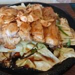 大山アークカントリークラブ レストラン - 大山鶏ニンニク焼きアップ