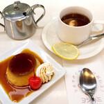 130848605 - 昭和のプリン(550円)                       紅茶(600円)