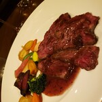ビストロ天下井 - 牛ハラミのステーキ