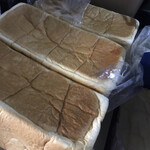 純生食パン工房 ハレパン - 料理写真:車内です