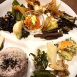 Organic Cafe ゆきすきのくに - 当店定番メニュー、カラダ喜ぶランチデリプレートです。安心安全な旬の野菜の力を体に摂り入れましょう^^