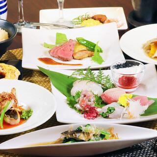 コース料理はお取り分け不要の個人盛り提供しています。