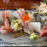 磯割烹 佳倉 - 料理写真:お刺身定食 2200円。