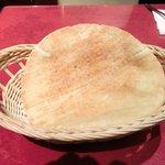 サライ - 【'12/05/17撮影】ケバブランチ 900円 のピタパン