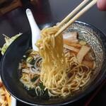 中華料理 梧桐 - 【2020.5.31(日)】醬油ラーメの麺
