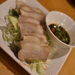福龍菜館 - ゆで豚肉のニンニクソースかけ(480円+税)2020年5月