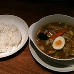 カリーレストランヨシミ - やわらかチキンの札幌スープカリー