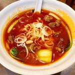 再来 - 料理写真:特製牛肉麺 1000円