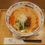 chuukaryourihisuien - 担々麺 700円(税抜)ランチ価格