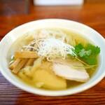 純手打ち 麺と未来 - 海老わんたん入り塩ラーメン950円