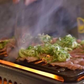 肝心の焼肉も安い!ほとんどの焼き物が380円!