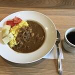 ビートカフェ - スパイスチキンカレーとコーヒーセット 800円