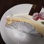 130919680 - レタチーズケーキ