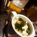 なかよし餃子 クレオパトラ - とうふわかめスープ