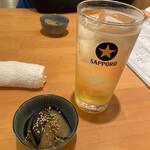 Unakushiyakitoriufuku - 鰻のためのハイボール490円  お通し