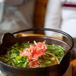 八ヶ岳小僧 - 2020.5 山菜うどん(しゃぶしゃぶのアナグマ出汁と山菜で〆うどん)