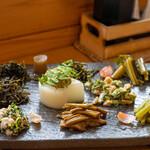 八ヶ岳小僧 - 2020.5 山菜10種類の前菜盛り合わせ