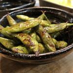 新世界 串カツ 小鉄 - つきだし…枝豆のバター醤油炒めと思われます