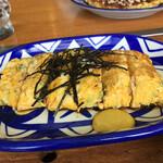 お好み焼大楽 - 料理写真:ネギ入りタマゴ焼き400円。先ずは注文!