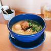 らーめん かばちや - 料理写真:ラーメン、青く美しい器