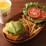 クアアイナ - アボカドチーズバーガーセット☆ 完熟アボカドとマイルドなチーズの組み合わせがたまらないボリューム満点バーガー!!