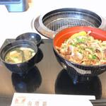 焼肉お食事処 山陽路 - 牛カルビ丼、味噌汁セット