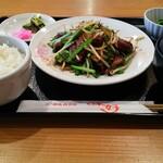 餃子とラーメンの旨い店 みよし - 料理写真:野菜炒め定食