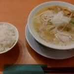 RAMEN 風見鶏 - 濃厚塩(味玉トッピング)、ランチライス