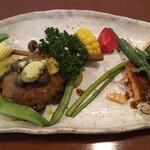 キッチン CACCIATORA - 肉・魚料理の盛り合わせ